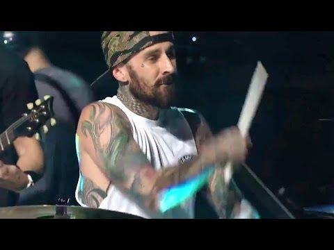 Drum Battle - Travis Barker Vs Rob Bourdon (linkin Park Live 2014) video