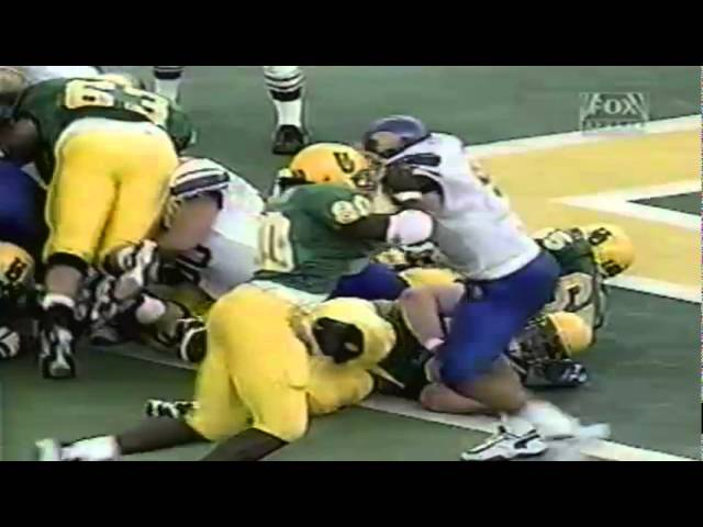 Oregon RB Derien Latimer dives for a touchdown vs. San Jose State 9-19-1998