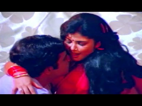Mr. Raja Kannada Movie Songs || Hoovu Aralide || Ambarish || Thara video