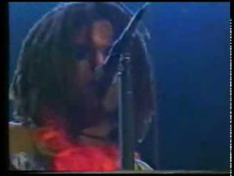 Lenny Kravitz - Does Anybody Out There Even Care