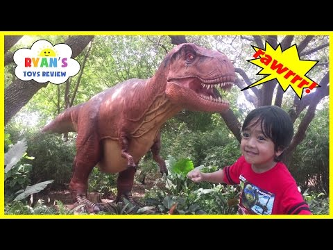 GIANT LIFE SIZE DINOSAUR Theme Park Dinosaurs at the Zoo Family Fun Amusement Activity Kids Video