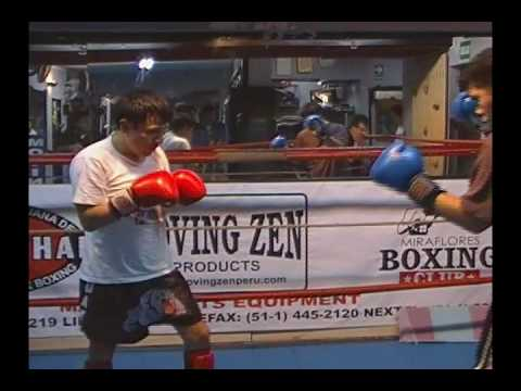 Muay Thai Sparring in Perú - Santos Sanchez vs Henry Flores