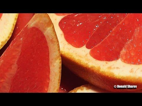 Cutting Barbados Grapefruit in Ultra HD 4K