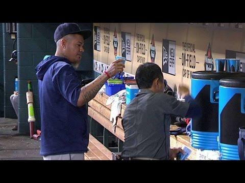 Hernandez throws water at Nakazawa
