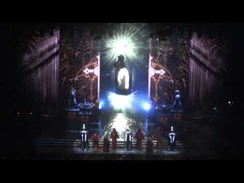(hd) Intro + Girl Gone Wild - Madonna mdna Tour Live  New York City - 09.06.2012 video