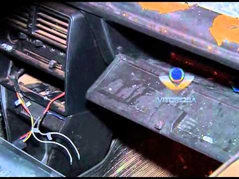 Veículo furtado é encontrado no Roosevelt com vidros quebrados