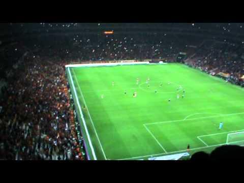 Sneijderin Fenerbahçeye Attığı 2. Gol (Tribün Çekimi)