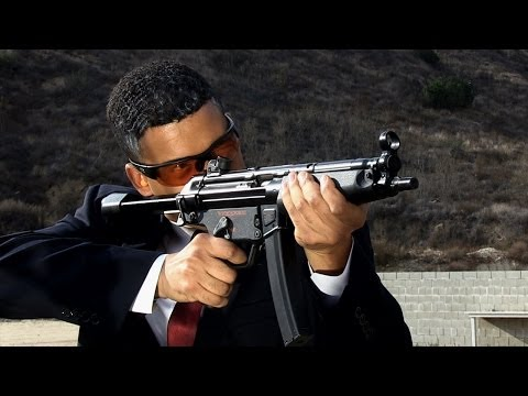 President Obama Shooting MP5 on PT Hostage Target