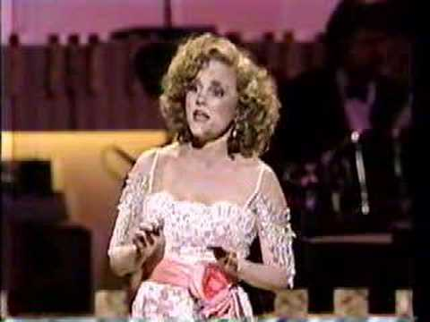 "The brilliant Madeline Kahn performing ""You'd be Surprised!"" by Irving Berlin on Irving Berlin's 100th Birthday Celebration, 1988. Like my clips?? Check out my radio station, Sho-Toonz,..."