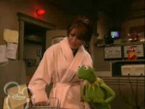 "Paula Abdul on ""Muppets Tonight"" (Edited)"