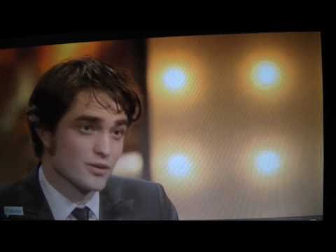 ROBERT PATTINSON PRESENTS BAFTA AWARDS 2010 EDWARD CULLEN TWILIGHT NEW MOON ECLIPSE BREAKING DAWN