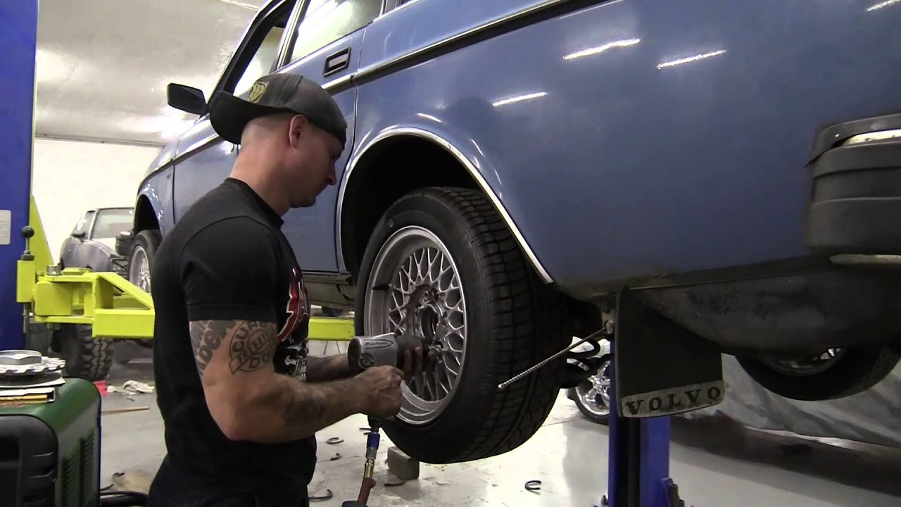Lowering a Volvo 240 - YouTube