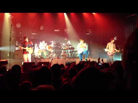 Kaiser Chiefs - Bows and Arrows (NEW SONG), live Melkweg Amsterdam 8 May 2013