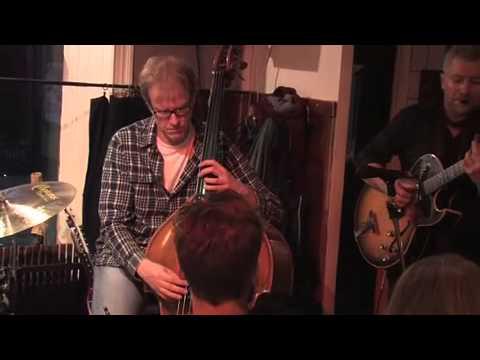 Groovy Jazzguitar Peter Almqvist Trio - I'm Old Fashioned