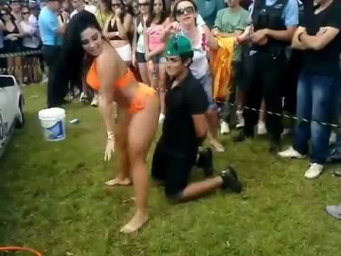 porno-video-bita-devushki