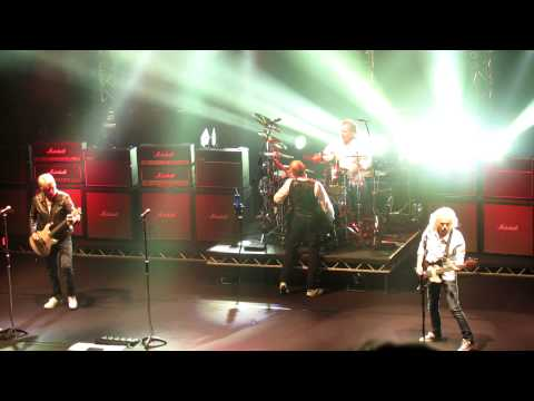 Status Quo Backwater-Just Take Me live at Manchester Apollo Theatre 12th March 2013 MVI_6450