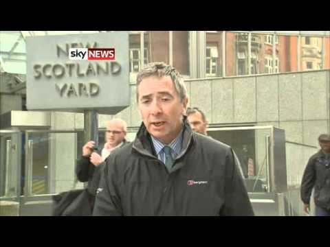 Andy Coulson Arrested By Police  - NOTW Phone Hacking *NEW*