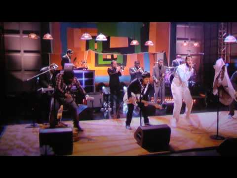 Billionaire~bruno Mars & Travie Mccoy ~live On Jay Leno video