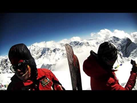 The Everest Academy team on the summit of Mera Peak - 11/08/2013