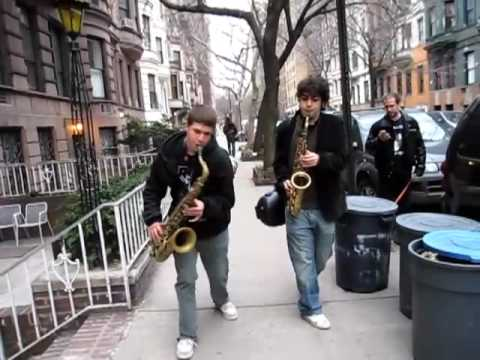 Dueling Saxophones, perfect NYC street music