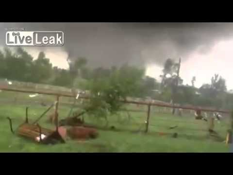 Part 2  Crazy Funny Okie Guy Narrates F5 Tornado Coming Straight at Him