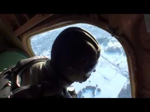 Первый прыжок с парашютом Петра Алпатова