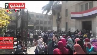 بالفيديو.. طلاب الإخوان بجامعة القاهرة ينظمون مسيرة بالحرم الجامعى