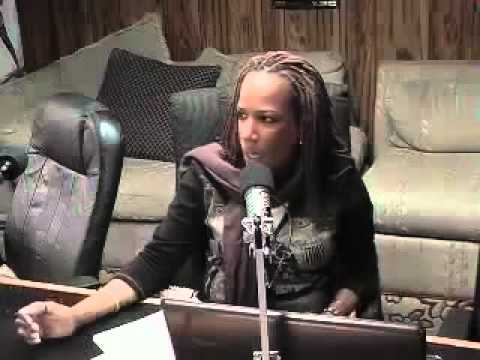 Jamaican Radio Host Cussing Out Caller While Trying To Give Advice On How To Keep A Man! LOL!