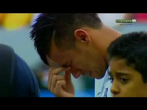 Neymar Is Crying During Leaving Santos , Going To Barcelona