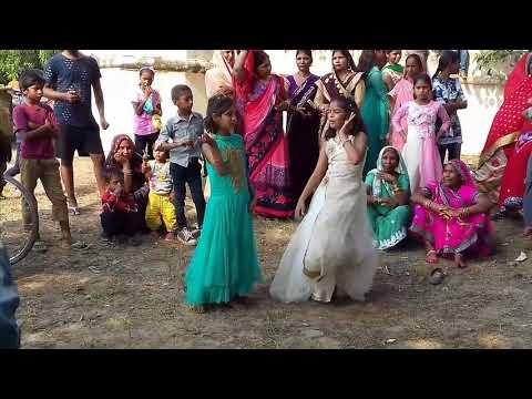 'Chittiyaan Kalaiyaan' Cute Dance Video Song | Roy | Meet Bros Anjjan, Kanika Kapoor | Azad