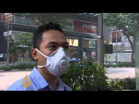 Smog shrouds Singapore
