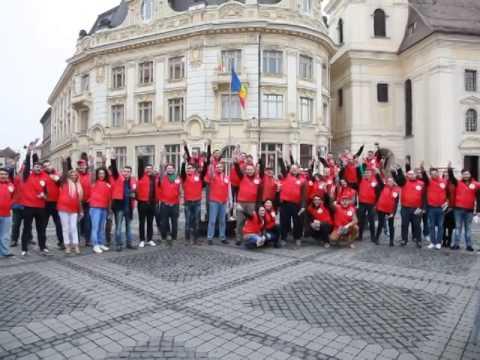 PSD Sibiu in excursie cu clasa in faimoasa Piata Mare inaugurata de contracandidatul/nemesis-ul lor. Finalul este priceless, pentru toate celelalte exista ma...