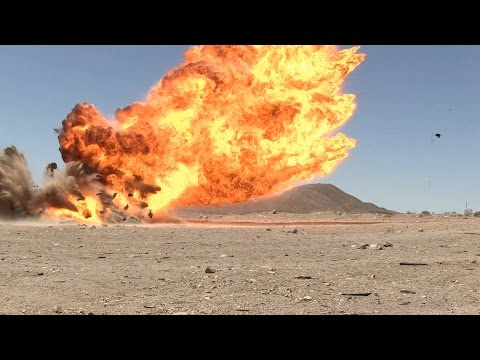 Marines and UAE Soldiers Conduct Demolitions Training
