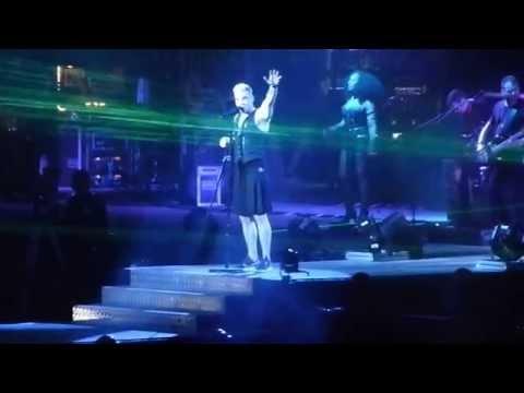 Robbie Williams `Let me entertain you' tour Abu Dhabi 25/04/2015.