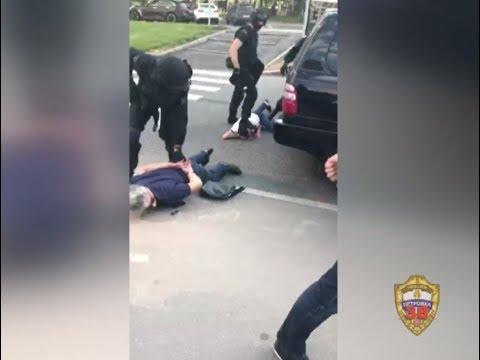 В Москве сотрудники полиции задержали четверых подозреваемых в вымогательстве