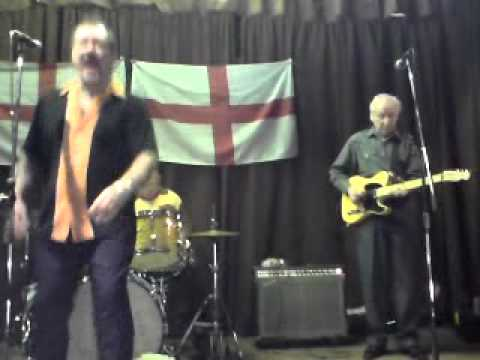 Cliff & the Cavaliers @ Crondall r 'n' r club - Honky Tonk Hardwood Floor