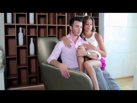 Kevin Jonas and Danielle Deleasa- Married to Jonas