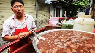 Video of Chengdu: Chinese Street Food Tour in Chengdu, Sichuan | BEST Street Food in China (author: The Food Ranger)