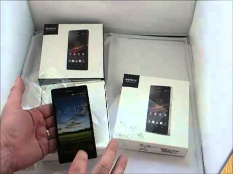 Sony Xperia Z in both Black and White Unboxing and First Impressions
