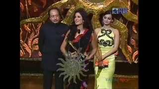 Download Lagu IIFA 2008 Glamorous Diva of the Year - Katrina Kaif Gratis STAFABAND
