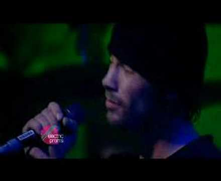 Jamiroquai - Emergency On Planet Earth (Live Jazz Cafe 2006)