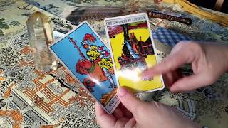 LOVE - WHAT TO DO? WEEKLY LOVE TAROT PSYCHIC READING MAY 7TH, 2018