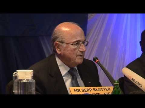 Sepp Blatter discusses corruption with Mugabe