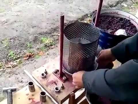 Как сделать сок из яблок видео