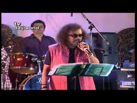 M'lore: Renowed singer Hariharan at 17th National Youth Festival 2012