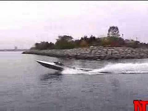 Squirt 2 - Advanced Turbine Jet-boat Project. video