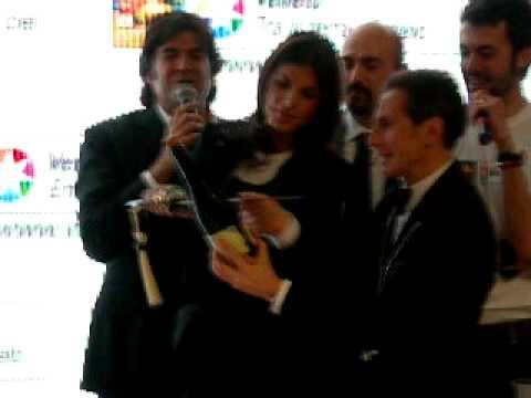 Elisabetta Canalis e Maddalena Corvaglia al Vinitaly