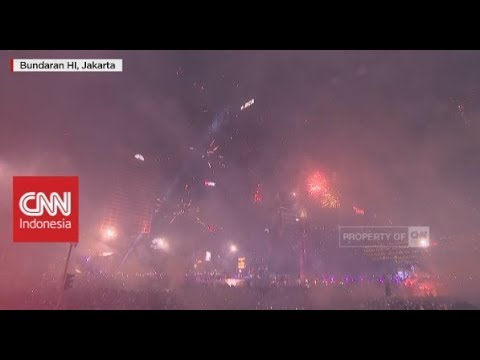 Detik-Detik Meriahnya Fireworks Malam Tahun Baru 2018 di Bunderan HI-Indonesia