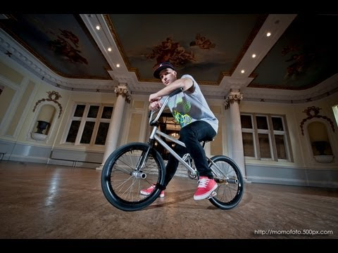 Keelan Phillips - Bicycle Ballet Flatland BMX