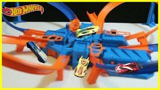 Hot wheels criss cross crash motorized playset